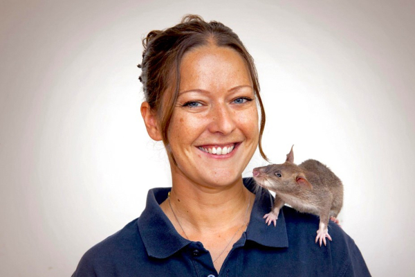 Cindy Fast and sniffer rat